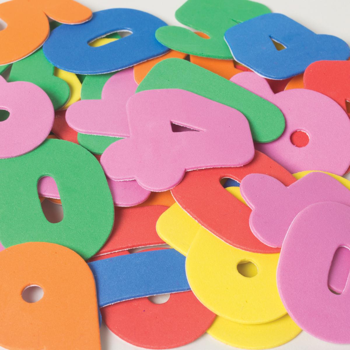 Lettres et chiffres en mousse